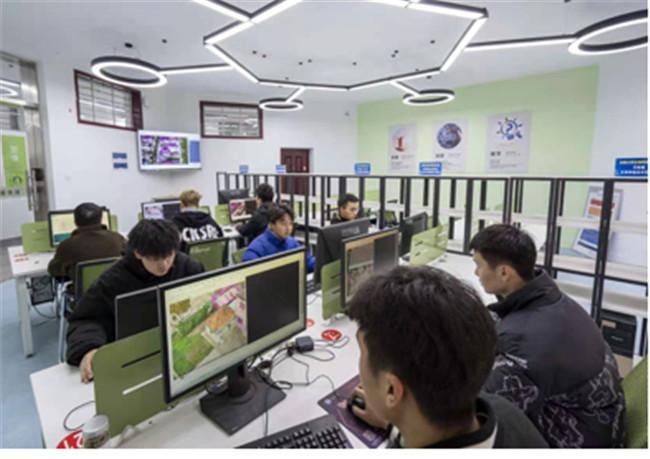 河南工业职业技术学院成功研发无人机智能实景三维建模设计系统